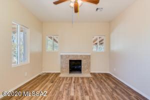 948 N Perry Avenue, Tucson, AZ 85705