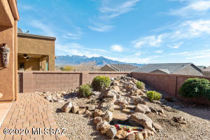 2541 W Dome Rock Drive, Green Valley, AZ 85622