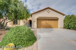 737 N Hale Drive, Green Valley, AZ 85614