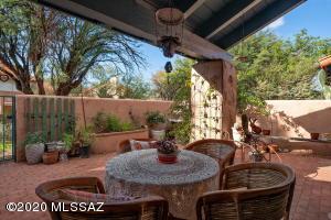 7726 E Via Ventana Norte, Tucson, AZ 85750