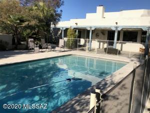 1005 W Los Altos Road, Tucson, AZ 85704