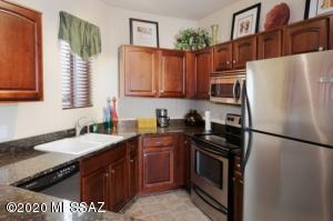 2550 E River Road, 16104, Tucson, AZ 85718