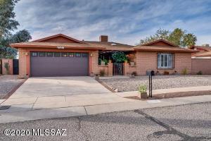 8221 N Suwannee Drive, Tucson, AZ 85741
