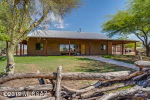 32400 E Grand Valley Drive, Marana, AZ 85658