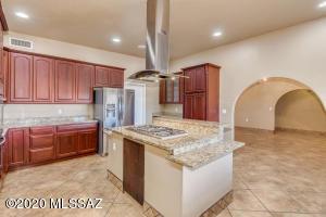9050 S Alayne Spring Road, Tucson, AZ 85736