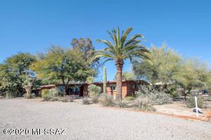 136 S Calle De Jardin, Tucson, AZ 85711