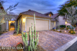 2 bedroom, 2 bathroom & loft patio home is perfect for either a part time or full time residence