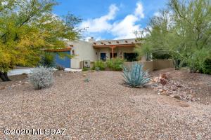 5641 W Triangle X Place, Tucson, AZ 85713