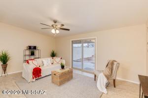 5631 E Cooper Street, Tucson, AZ 85711