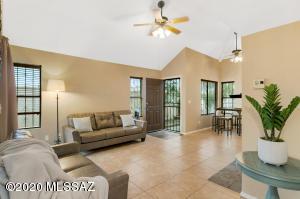 1461 W Calle Gallego, Tucson, AZ 85745