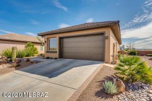 1733 W Acacia Bluffs Drive, Green Valley, AZ 85622