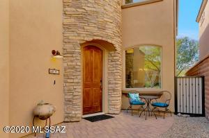 5757 N Winding Woods Place, Tucson, AZ 85718
