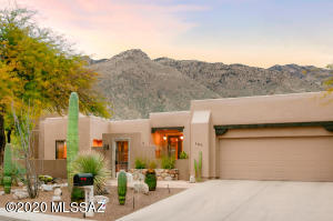 6460 N Silversmith Place, Tucson, AZ 85750