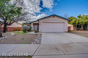 7974 S Teaberry Avenue, Tucson, AZ 85747