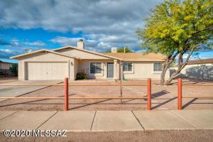 2920 W Camino Fresco, Tucson, AZ 85746