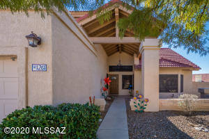 1261 W Lodestone Place, Oro Valley, AZ 85737