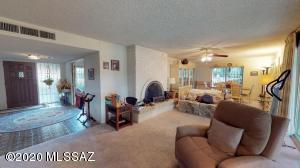 1825 N Forty Niner Drive, Tucson, AZ 85749