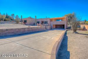 1701 N Camino Claveles, Tucson, AZ 85745