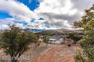 74 Lyle Canyon Road, Elgin, AZ 85611