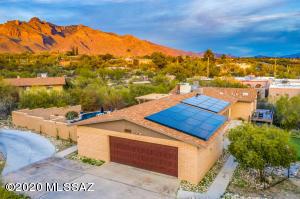 6410 N Camino Abbey, Tucson, AZ 85718