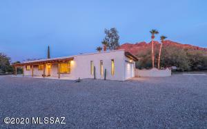8960 N Shadow Moutain Drive, Oro Valley, AZ 85704