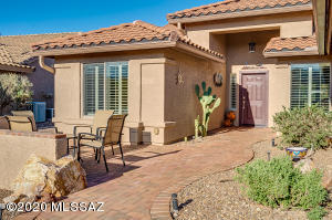 889 N Kenneth Drive, Green Valley, AZ 85614