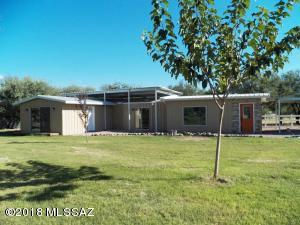 Recently remodeled, newer 1991 ground-set mfg home 2BR/1BA , approx. 1100sf