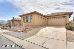 2 Bedrm, 2 bath, open great room, kitchen with loads of counter space, screened patio, outdoor kitchen space, extra long and extra wide 2 car garage and a huge Bonus room accessible from the courtyard or the garage.
