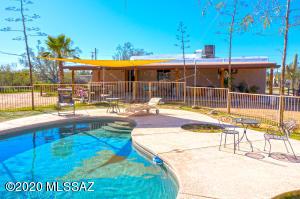 5898 N Chaparral Road, Tucson, AZ 85743
