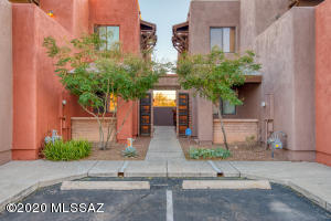 3129 N Olsen Avenue, Tucson, AZ 85719