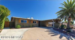 1817 S Regina Cleri Drive, Tucson, AZ 85710