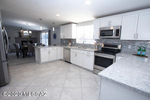 5810 E Burns Street, Tucson, AZ 85711