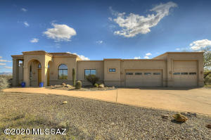 1491 S Walnut Spring Place, Green Valley, AZ 85614