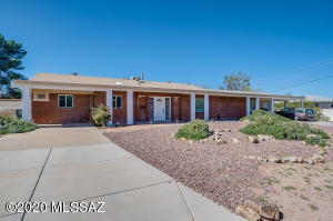 911 N Camino Miramonte, Tucson, AZ 85716