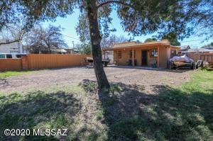 1415 N Bryant Avenue, Tucson, AZ 85712