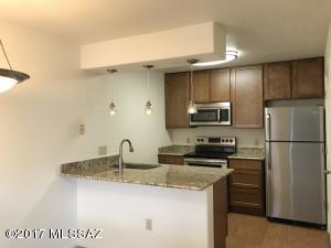 5751 N Kolb Road, 30205, Tucson, AZ 85750
