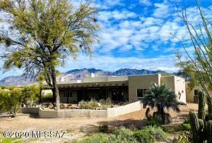 Over 2 Acres of desert privacy