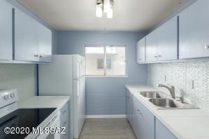 1755 S Jones Boulevard, R-214, Tucson, AZ 85713