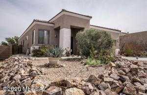 681 E Pima Meadows Drive, Vail, AZ 85641