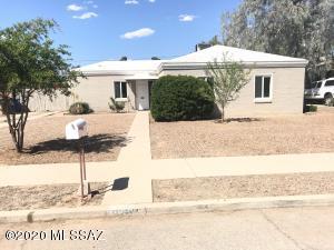 3941 E Desmond Lane, Tucson, AZ 85712