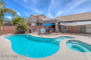 1790 W Eagle Crest Place, Oro Valley, AZ 85737