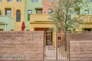 2435 E Autumn Flower Drive, Tucson, AZ 85718