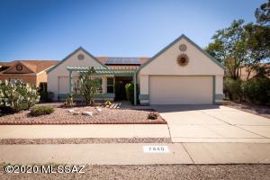 7840 N Roundstone Drive, Tucson, AZ 85741