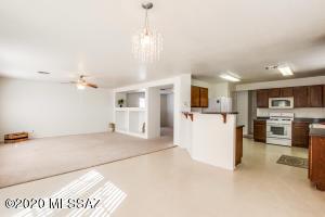 5242 S Placita Brisa Grande, Tucson, AZ 85706