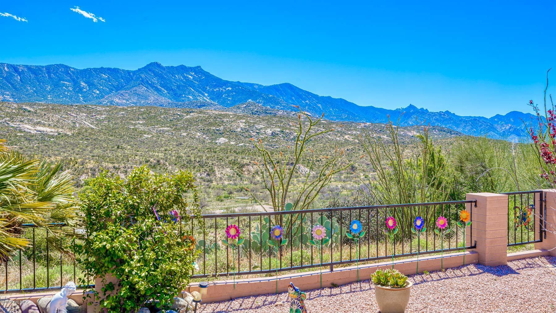 Photo of 38183 S Canada Del Oro Drive, Tucson, AZ 85739