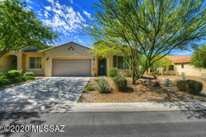 1029 N Broken Hills Drive, Green Valley, AZ 85614