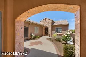 2062 W Cactus Run Drive, Green Valley, AZ 85622