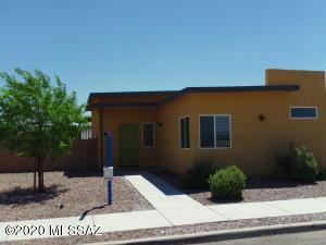 3035 N Dales Crossing Drive, Tucson, AZ 85745