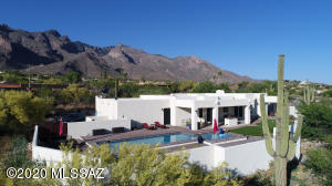 7037 N Chimney Rock Place, Tucson, AZ 85718