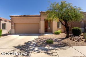 633 E Pima Meadows Drive, Vail, AZ 85641